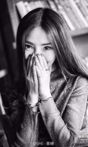 凤凰山下手机客户端第四十五期封面女神:杨