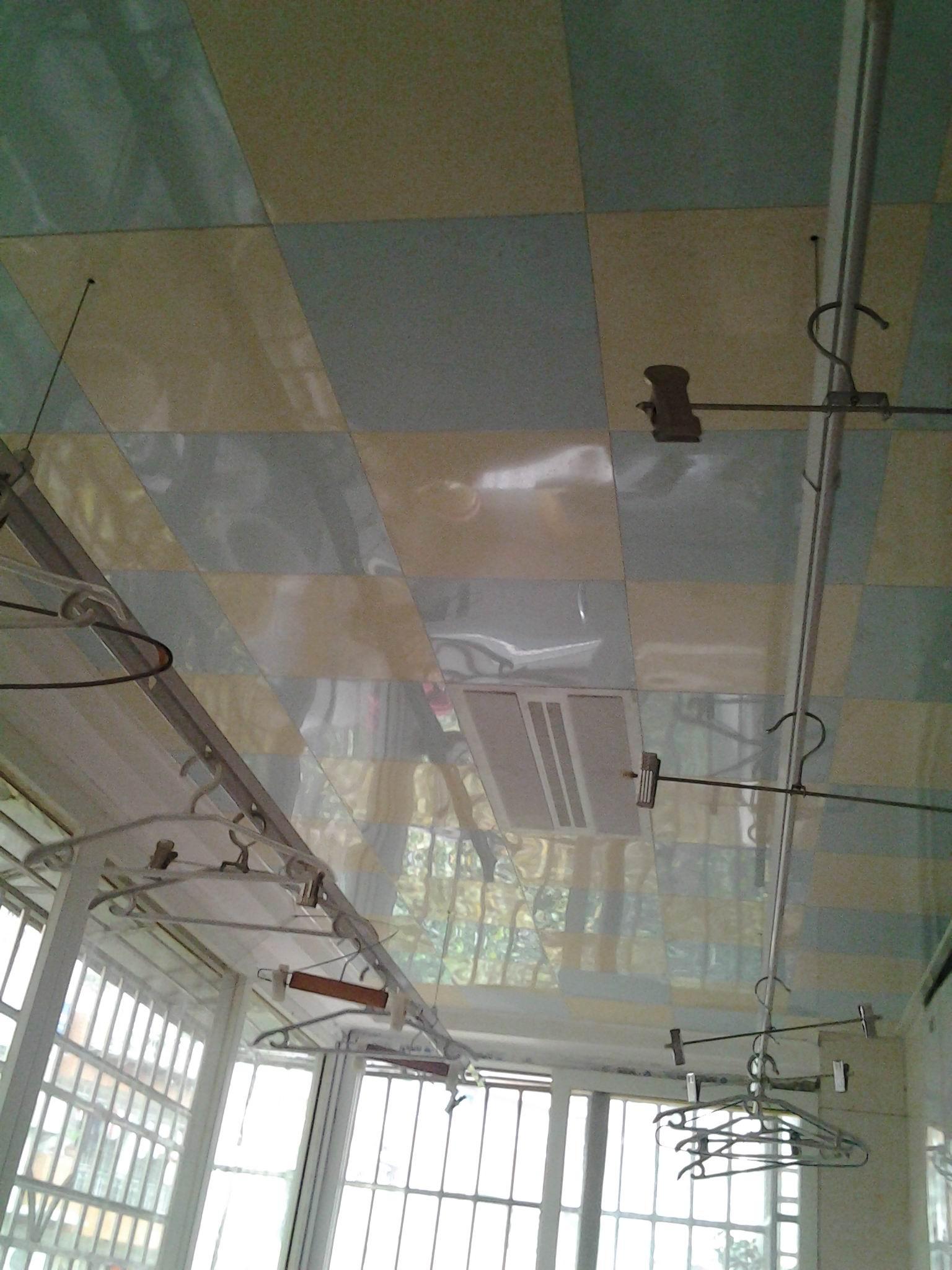 生活阳台吊顶及升降晾衣架.jpg