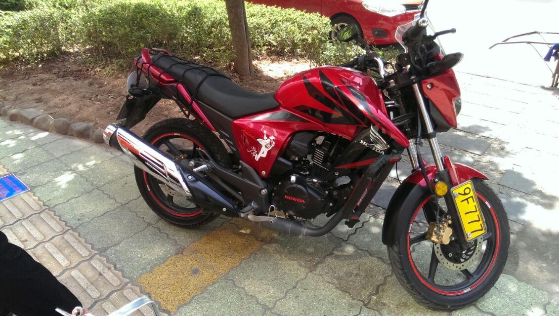 出售五羊本田 幻影rr150cc (红色)