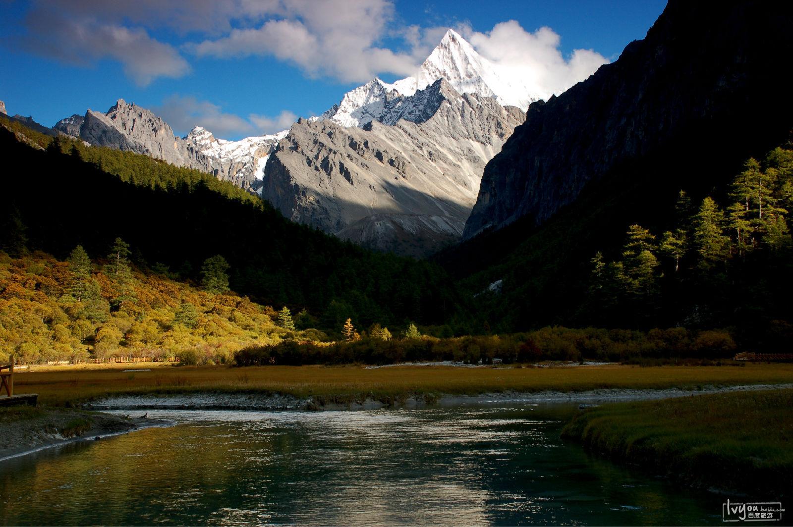 八月出发川西体验最美的川藏公路南线,目的地稻城亚丁.