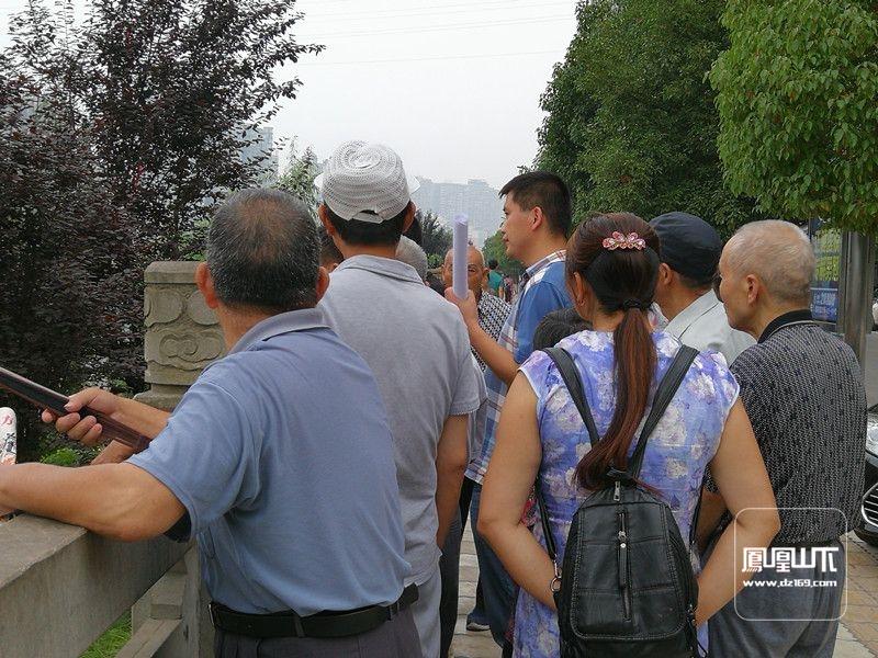野茅溪大桥开展地勘 达城市民纷纷前来观看