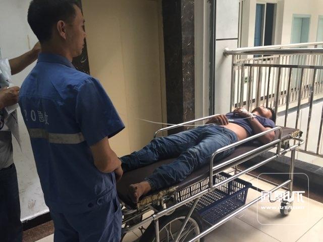 城管真不容易,带钢管上班致外地男子内伤昏迷