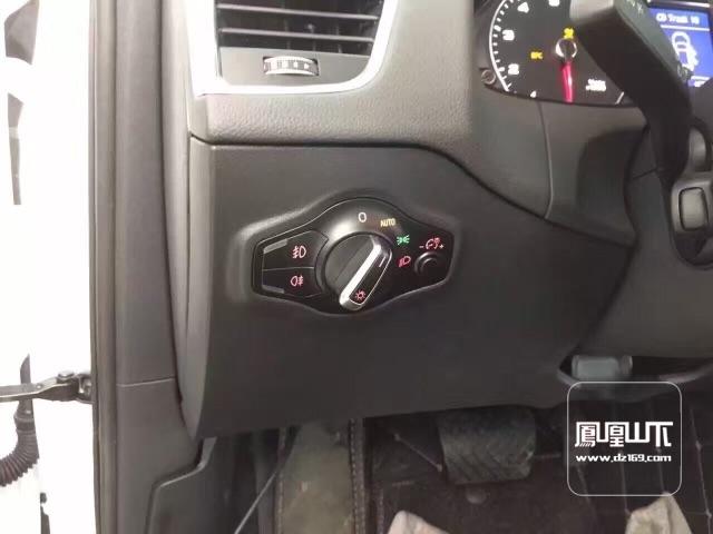 奥迪q5升级多功能方向盘,定速巡航,感应雨刷自动大灯
