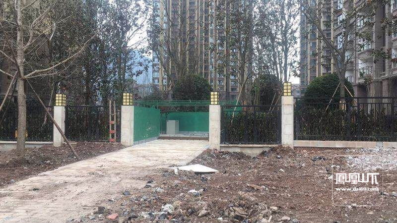 关于在江湾城三期图纸内压缩大型修建垃圾站,花开申磊富贵小区的图片