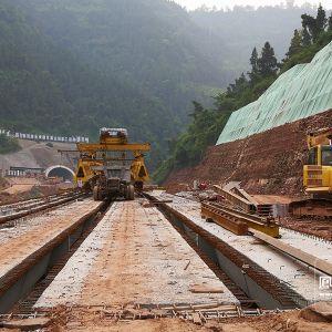 凤凰山隧道工程量完成68%预计11月份通车