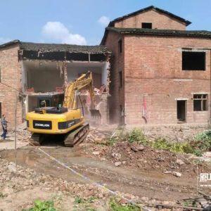 快讯:新北客站出口通道建设房屋正在进行