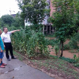 通川区罗江八一希望学校严防洪灾  确保安全