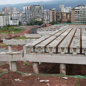 走进在建的金南大道和金南大桥建设工地