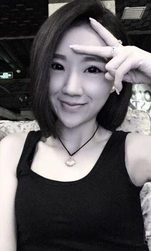 凤凰山下手机客户端第四十一期封面女神:吴
