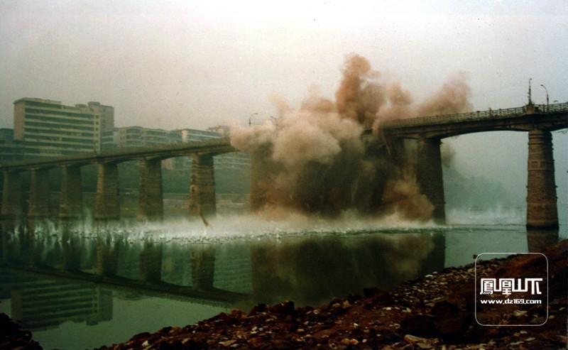 爆破通川桥3.jpg