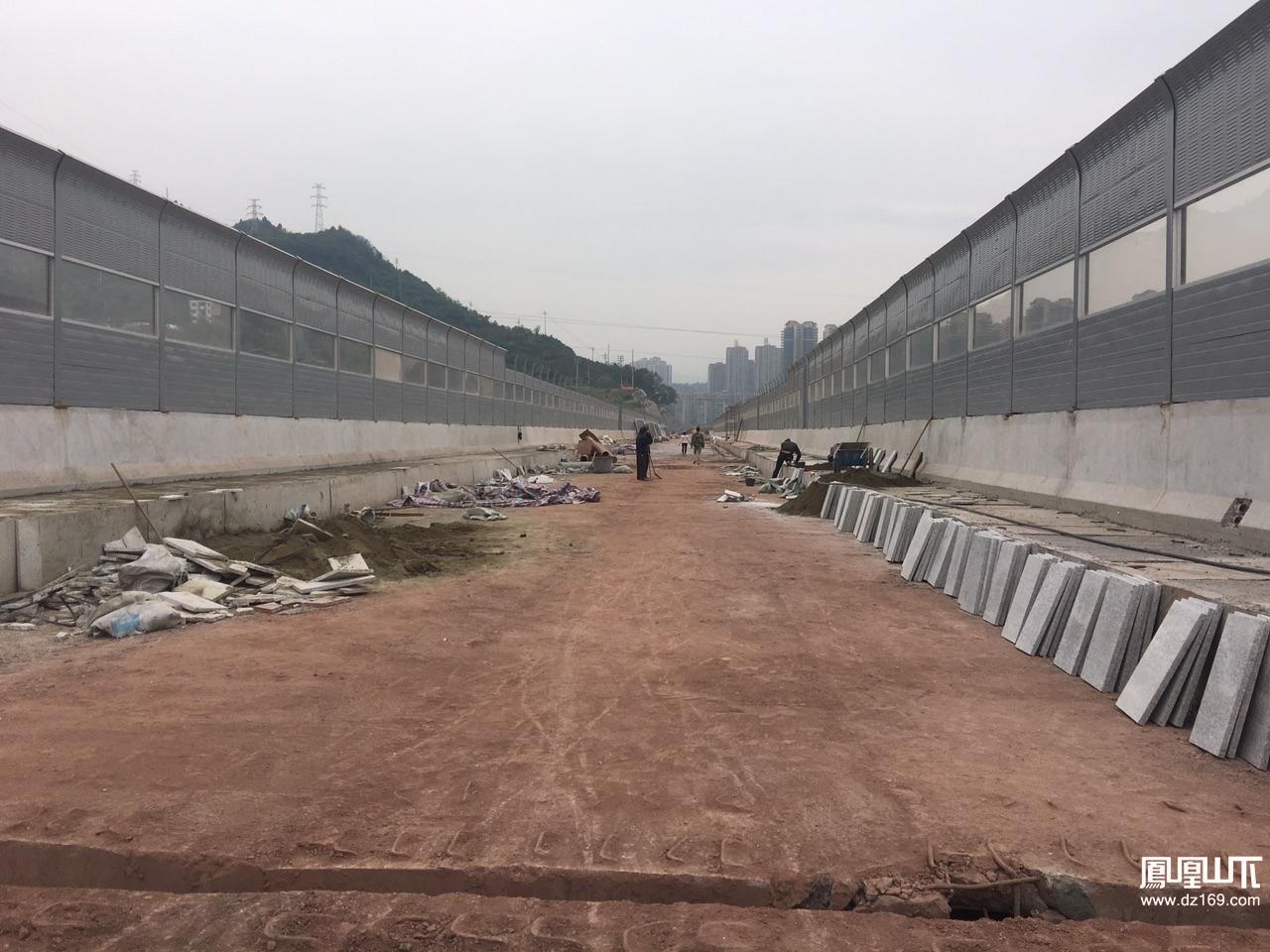 凤凰山山前路东段建设进入最后冲刺阶段吴家沟大桥即将