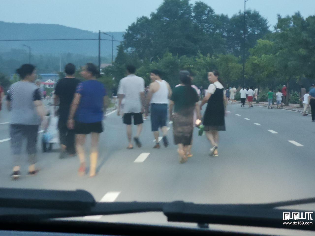这绝对是达川区石桥镇的一大特色…… 饭后走一走是对
