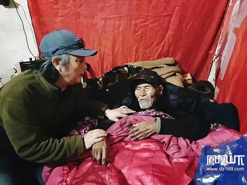 达州95岁老人做CT,发现一个天大的秘密!真相让人太好哭了!