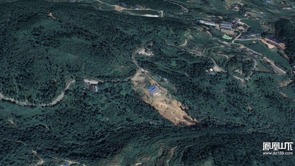 铁山塌方段卫星地图全貌.  8月4日卫星图
