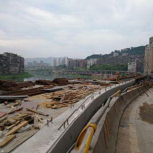 达城快速通道西段叠合钢板梁安装结束