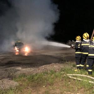 达川区消防大队成功处置一起出租车燃烧事故