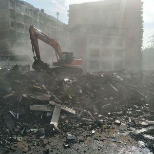 滨河路北段二期涉及283大队6号家属楼30套住房完成拆除