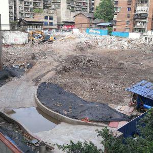 从不同角度观看建设中的箭亭子地下公共停车场