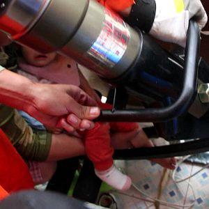 幼儿脚卡健身器材 消防官兵快速营救