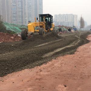 西外滨河西路开始铺设水稳层了