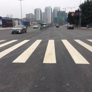 滨河路西段和朝阳中路拓宽段投入使用