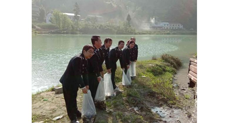 万源市农业农村局 开展2019年天然水域渔业人工增殖放流活动