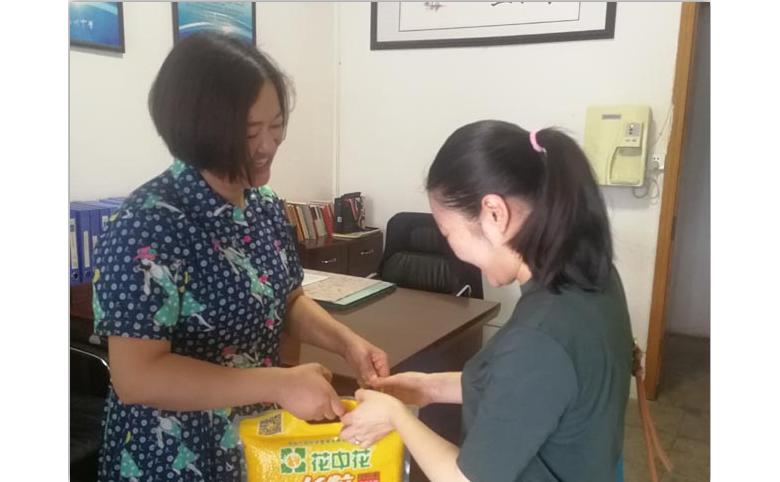 达川中学:建军节慰问暖人心