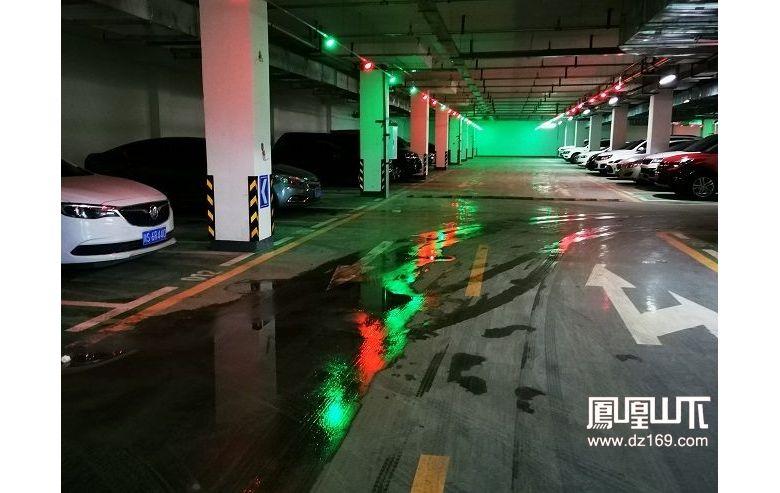 市委党校地下停车场和休闲广场可以停车玩耍了