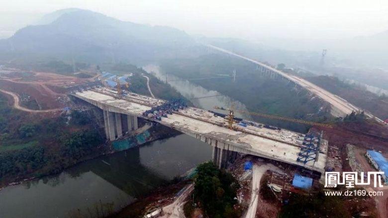 达州机场大道铜钵河大桥右幅合龙 雷家坝大桥主线右幅箱梁架设完成