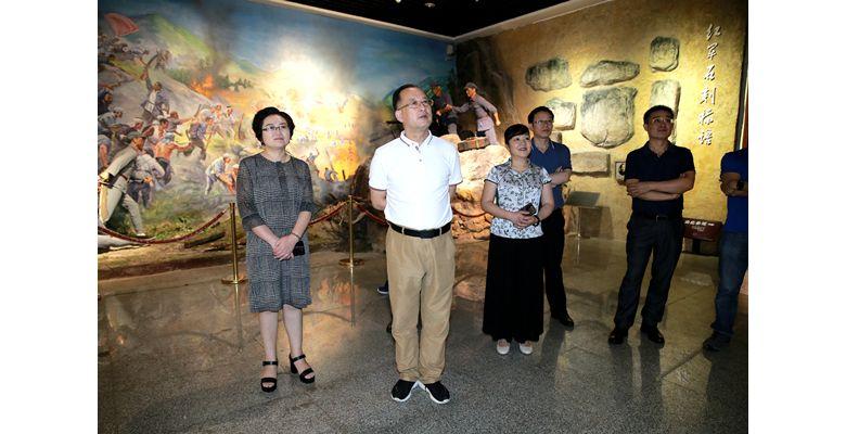 四川省作家协会党组书记 常务副主席侯志明带队赴达州调研