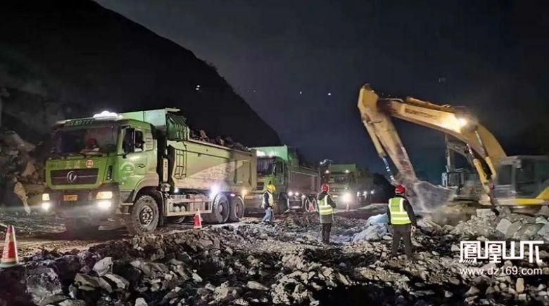"""""""三班倒""""24小时施工,马鞍山隧道改明挖项目建设快速推进"""